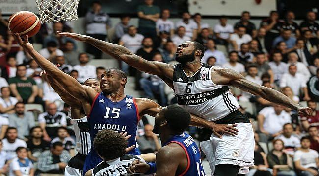 Beşiktaş ilk maçta Efes'i rahat geçti