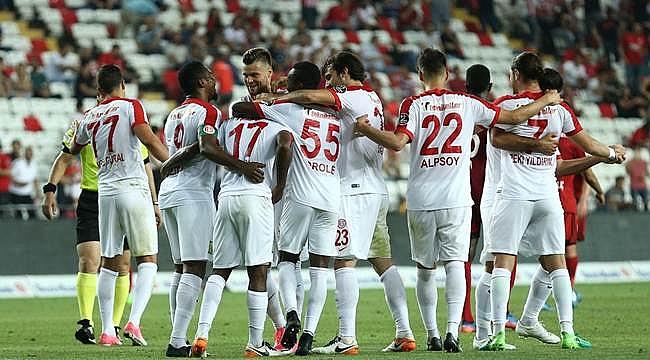 Antalyaspor sezonu galibiyetle kapattı