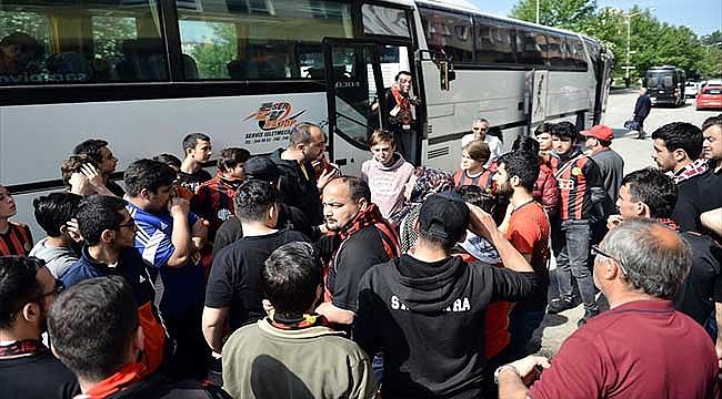 Eskişehirspor taraftarı Süper Lig için yolda