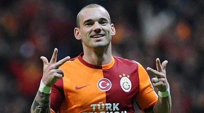 Menajeri Sneijder'i 'kaçırmak' istiyor