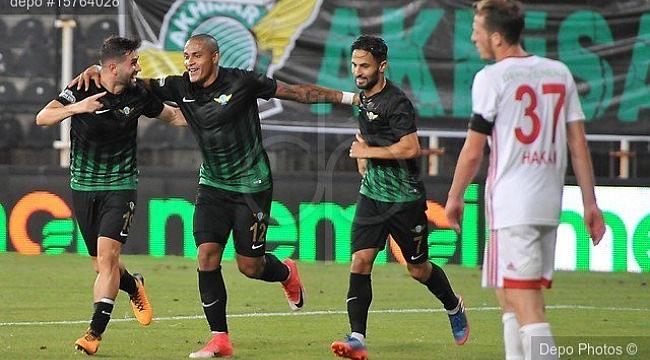 Akhisar Sivas'ı tek golle geçti