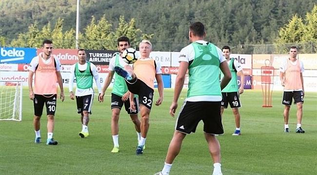 Beşiktaş 4 isme kapıyı gösterdi