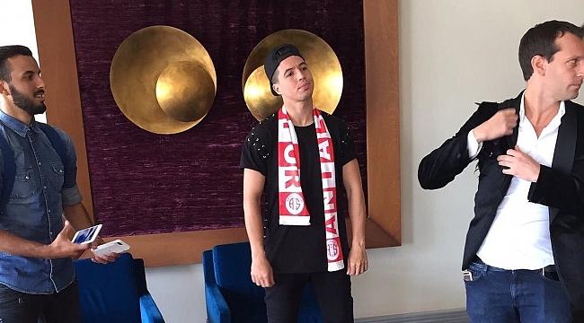 Dünyaca ünlü yıldız Antalyaspor'a geliyor