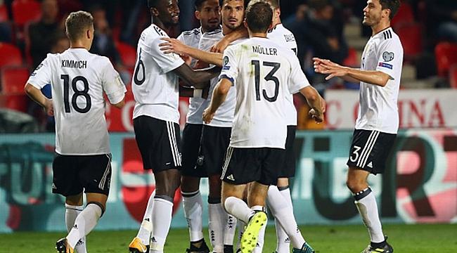 Almanya zorlandı ama kazandı