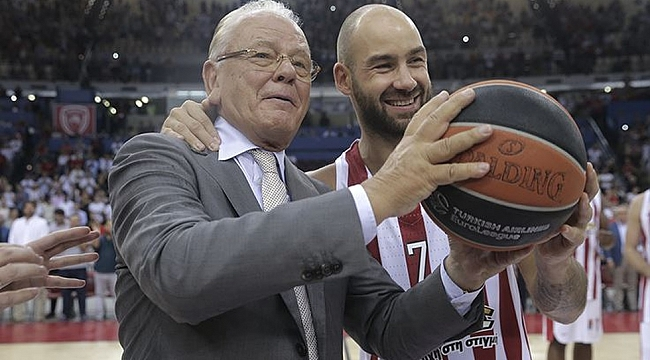 Ivkovic'e Euroleague'den müthiş jübile