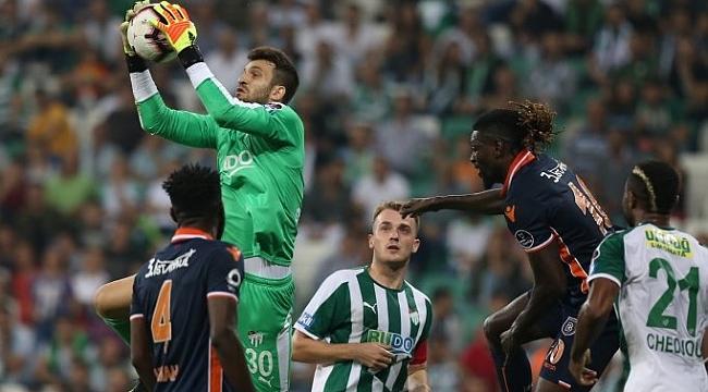 Adebayor kaçırdı, Başakşehir Bursa'da 2 puan bıraktı