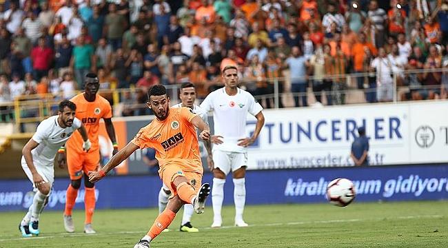 Alanyaspor Akhisarspor'u 2-1'le geçti