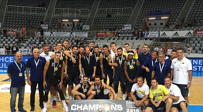 Fenerbahçe Zadar'dan şampiyon dönüyor