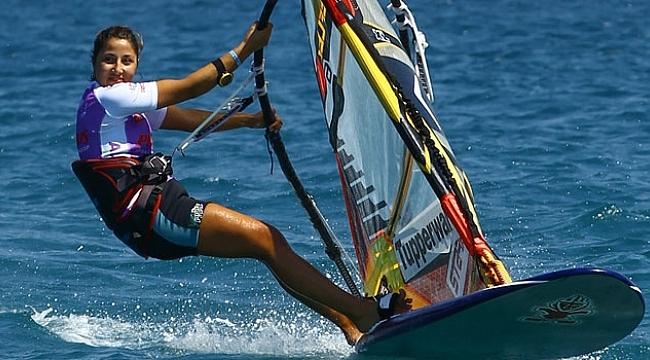 Fulya Öncü rüzgar sörfünde dünya ikincisi oldu