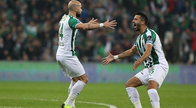 Bursaspor 3 puanı iki golle aldı