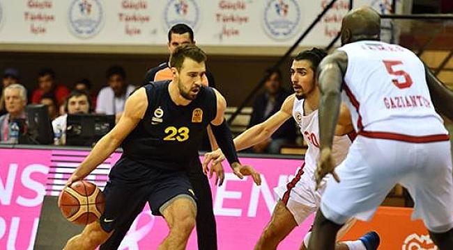 Fenerbahçe Gaziantep'te ter attı: 67-55