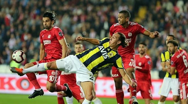 Fenerbahçe taraftarını Sivas'ta da üzdü: 0-0