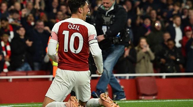 Mesut Özil'den mesaj var