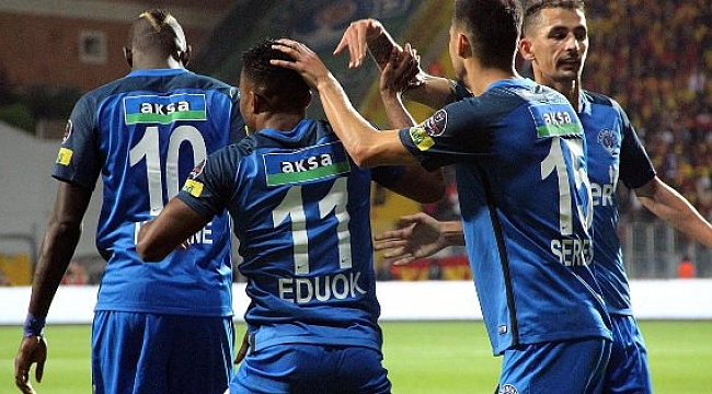 Mustafa Denizli'ye hoşgeldin galibiyeti