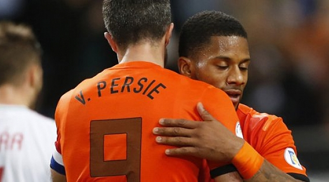 Robin van Persie futbolu bırakma hazırlığında