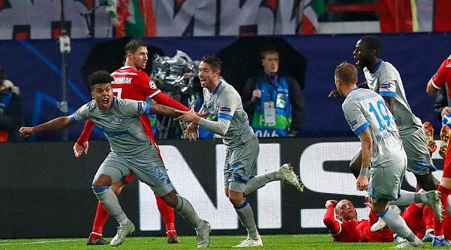 Schalke 88'de 3 puanı aldı