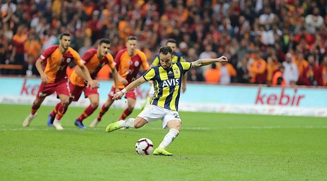 Fenerbahçe derbide 27 yıl sonra penaltı kazandı