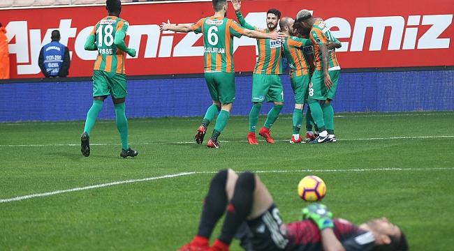A.Alanyaspor iki golle 3 puana uzandı