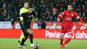 Galatasaray çeyrek final için avantajı kaptı