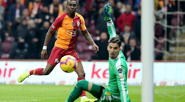 Galatasaray farklı başladı