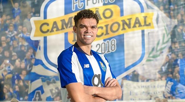 Pepe 12 yıl aradan sonra Porto'ya döndü