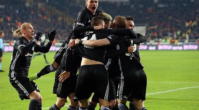 Beşiktaş 10 kişilik Yeni Malatya'yı 2-1'le geçti
