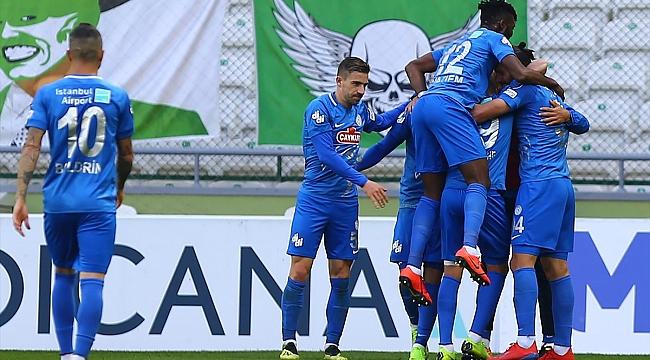 Çaykur Rizespor Konya'dan 2 golle 3 puan aldı