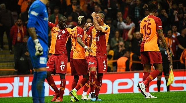 Galatasaray ikinci yarıda farka koştu