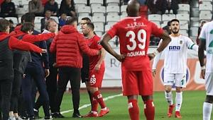 Sergen Yalçın ve Skubiç'e 2 maç ceza