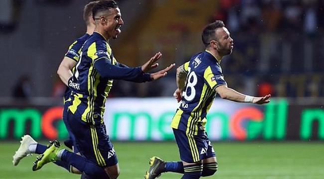 Fenerbahçe Akhisarspor'u konuk ediyor