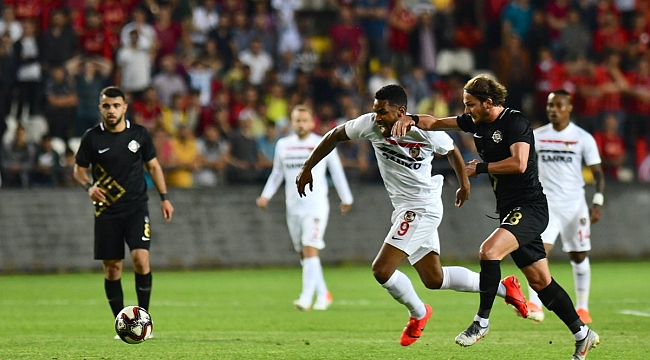 Gazişehir Osmanlıspor'u iki golle geçti