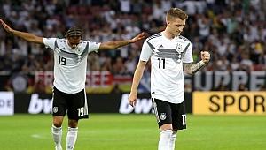 Almanya Estonya'yı gole boğdu