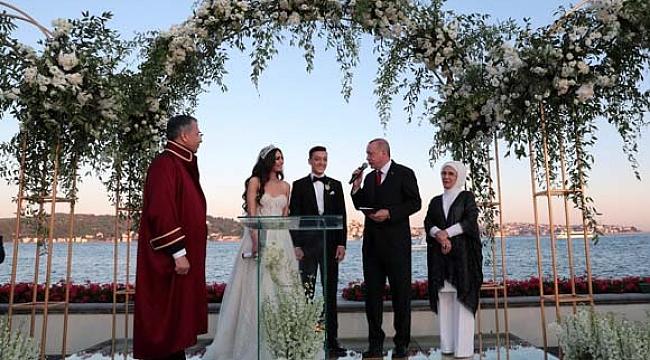 Mesut Özil evlendi