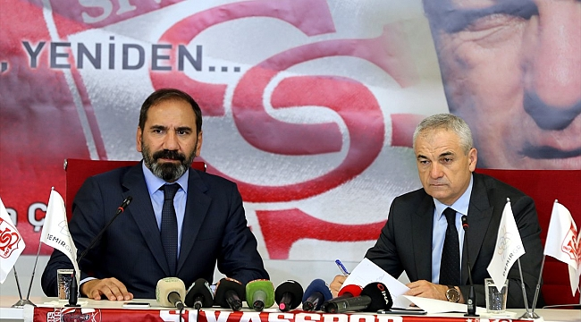 Rıza Çalımbay resmi sözleşmeyi imzaladı