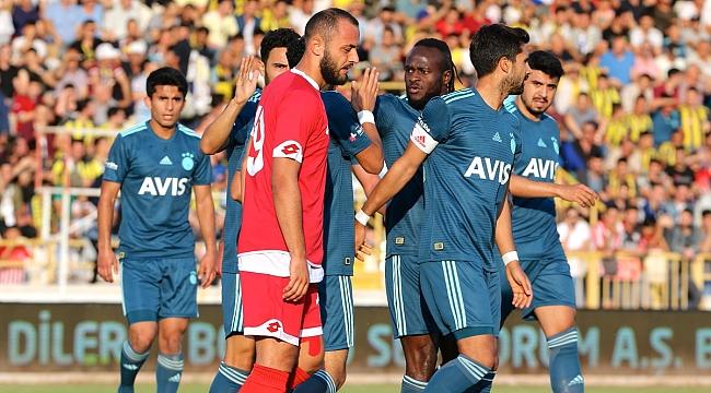 Fenerbahçe Bursaspor'la karşılaşıyor