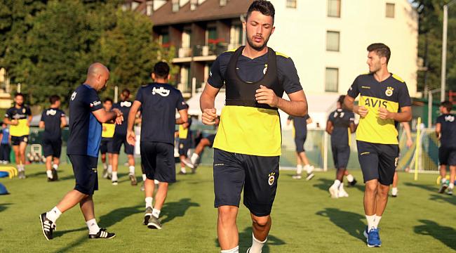 Fenerbahçe'de 4 futbolcu takımdan ayrı çalıştı