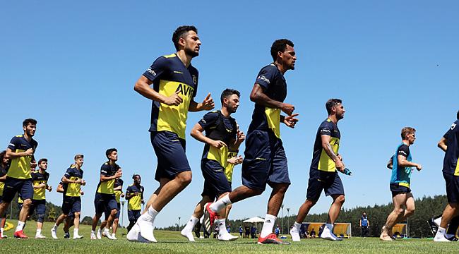 Fenerbahçe yeni transferleriyle çalıştı