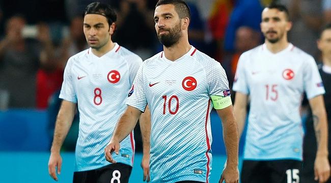 Galatasaray için Arda Turan ve Mehmet Topal iddiası