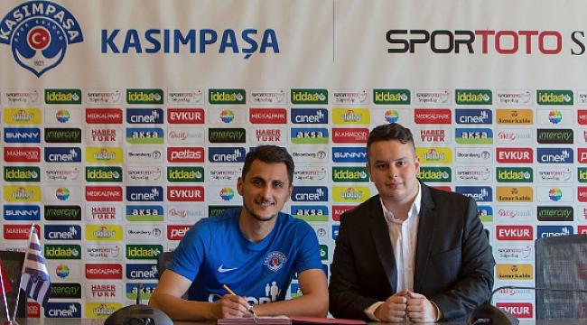 Kasımpaşa Mustafa Pektemek'le sözleşme imzaladı