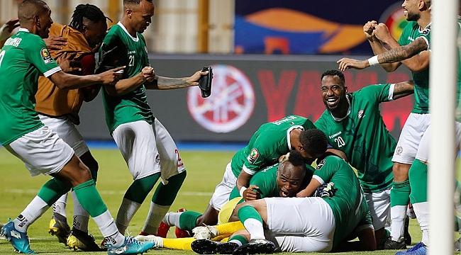 Madagaskar ve Cezayir de çeyrek finalde