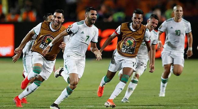 Senegal'in finaldeki rakibi Cezayir