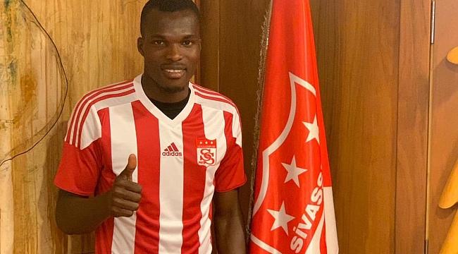 Sivasspor Isaac Cofie'yi kadrosuna kattı