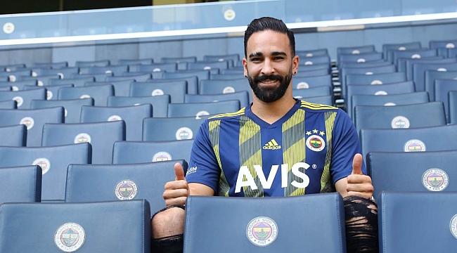 Fenerbahçe Adil Rami ile sözleşme imzaladı