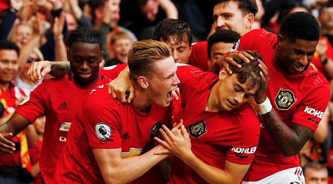 Manchester United Chelsea'yi dağıttı