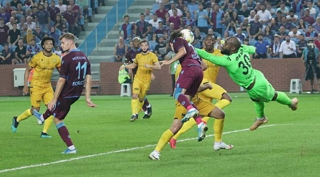 Trabzonspor Yeni Malatyaspor'u 2 golle devirdi