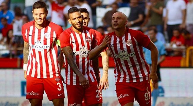 Antalyaspor Yeni Malatyaspor'u farklı geçti