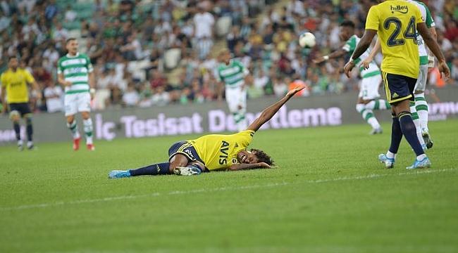 Luiz Gustavo ilk maçında sakatlandı