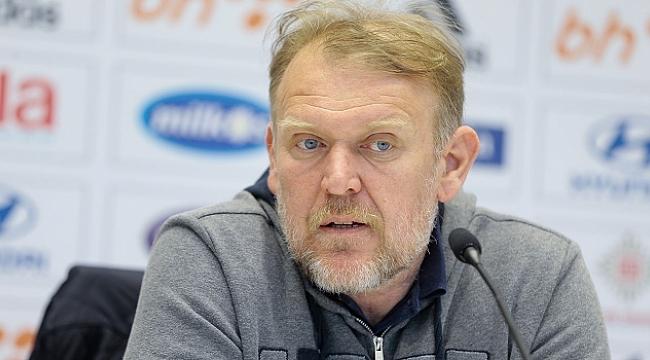 Prosinecki istifa etti