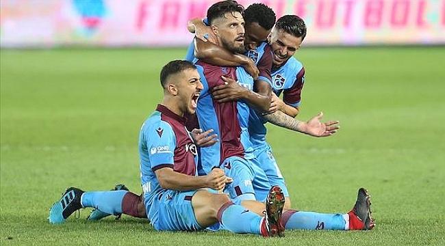 Trabzonspor Beşiktaş'ı yıktı, geçti: 4-1