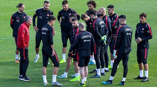 A Milliler Fransa maçı hazırlıklarına başladı